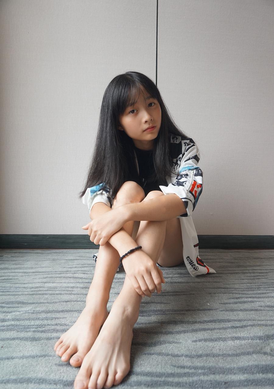 中学生脚模套图_student_module中学生足模摄影_打包下载_59足控网 www.59ZK.com